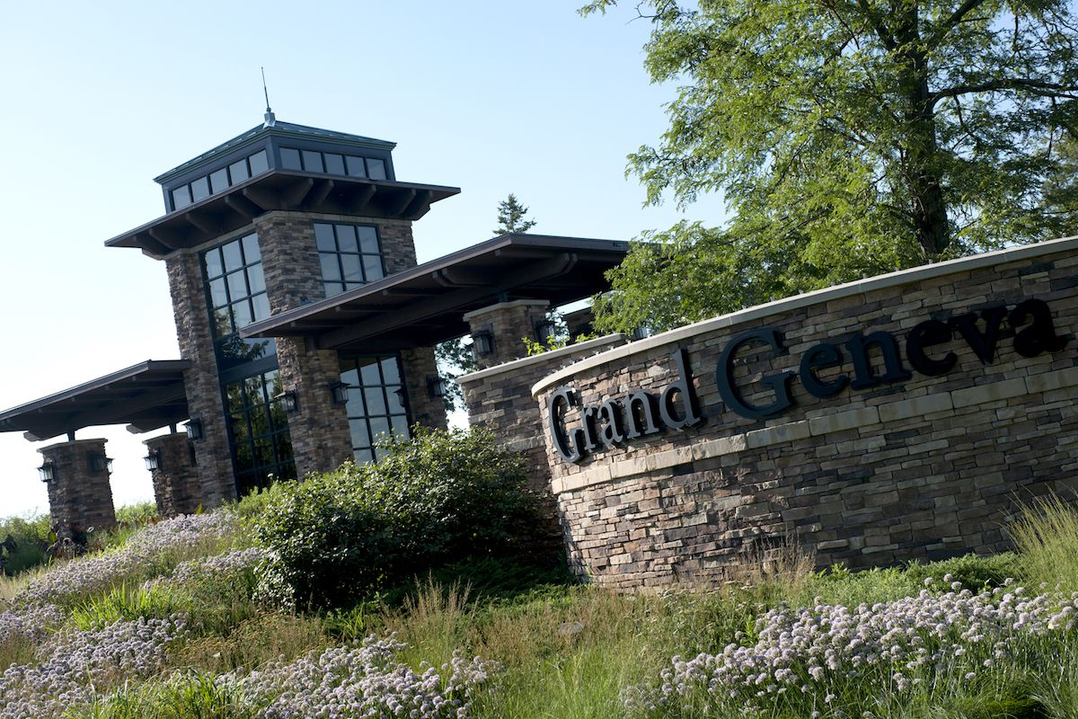 The Grand Geneva Gallery: Grand Geneva Sign